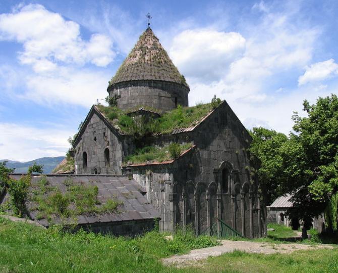 Монастырь Санаин в Армении